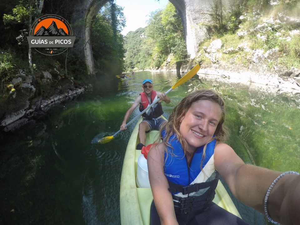 Descenso en canoa del río Cares con Guía Exclusivo