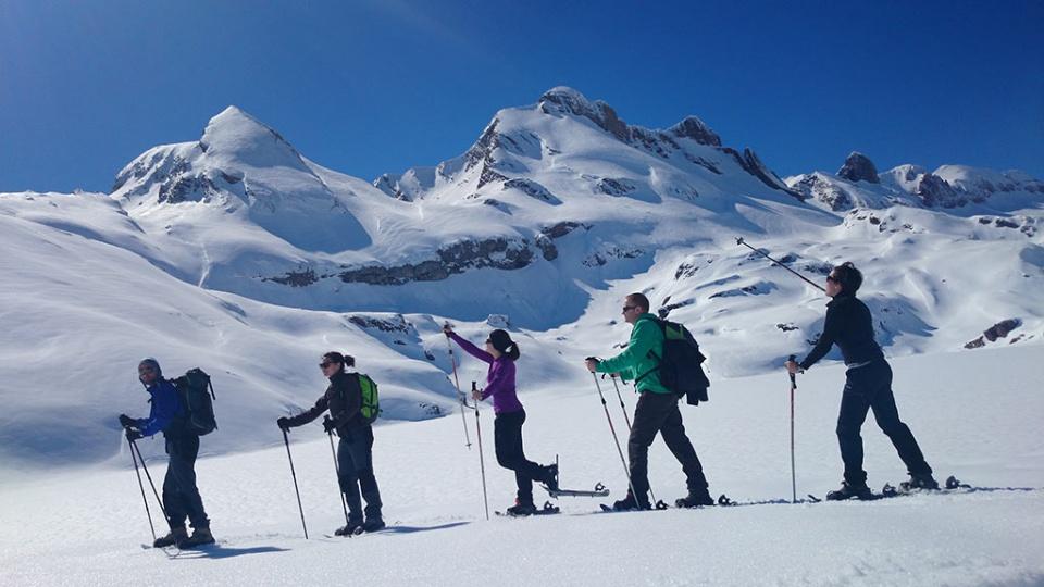 Raquetas de nieve en Picos de Europa con Guía de Montaña