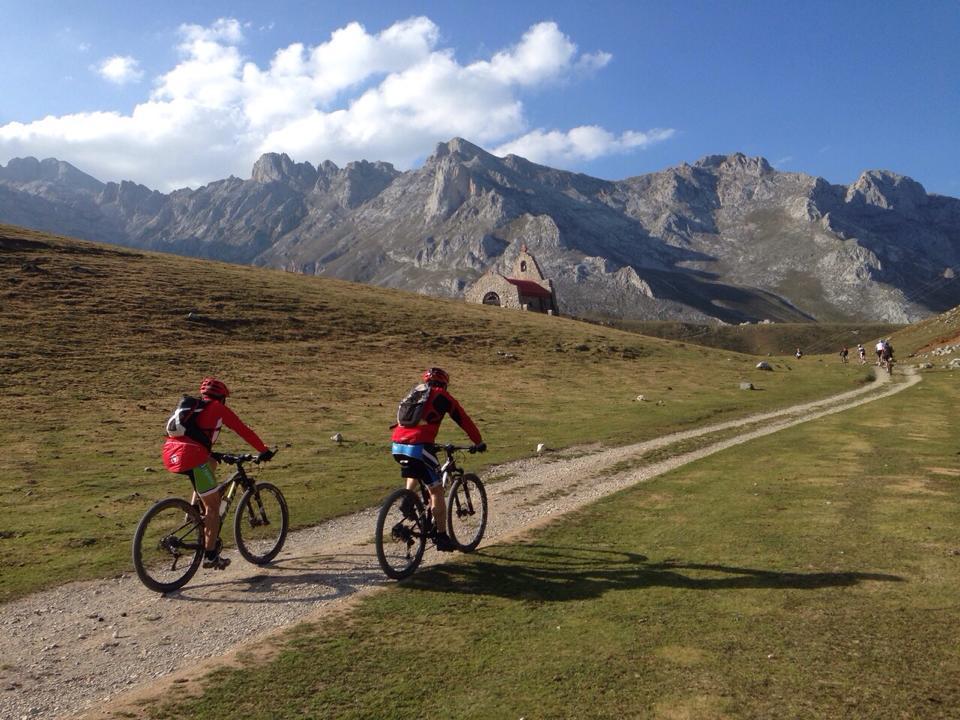 Ruta e-Bike MTB con guía entorno Picos de Europa